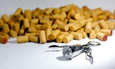 korki do wina i korkociąg