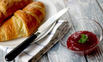 croissant z dżemem