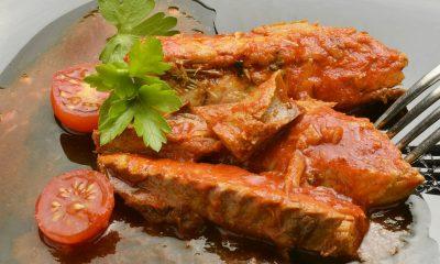 smaczna ryba w pomidorach