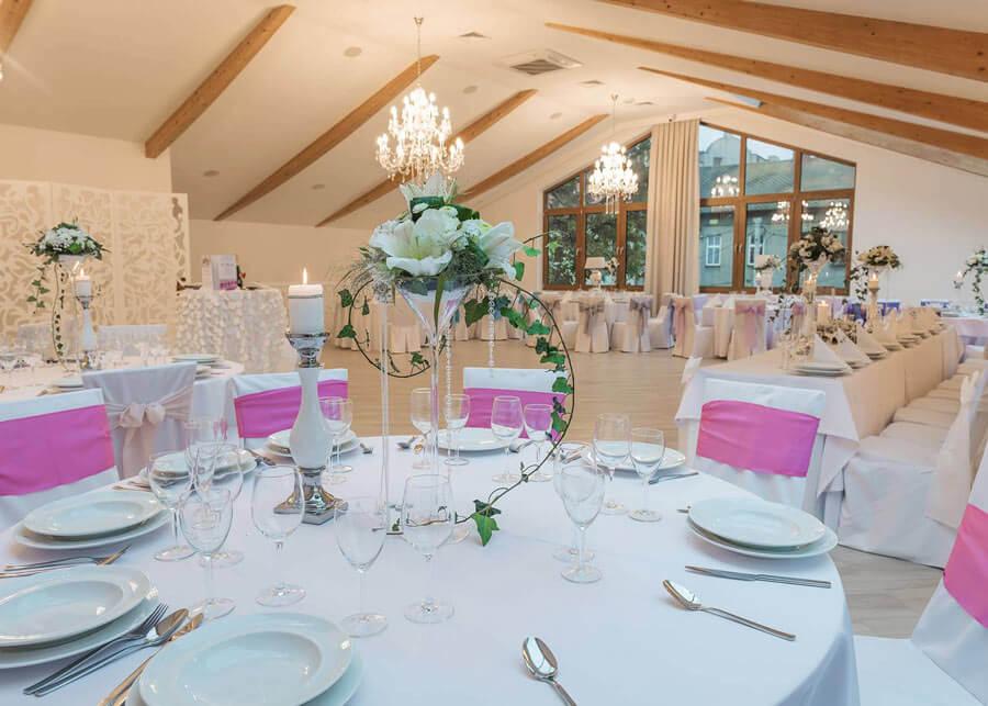 dekoracja-stolu-ladnie-udekorowany-stol