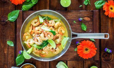 tajskie danie z woka
