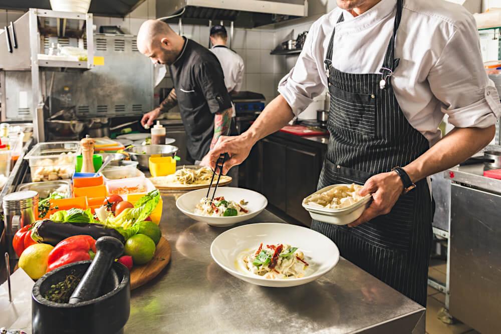 Kucharze w restauracji