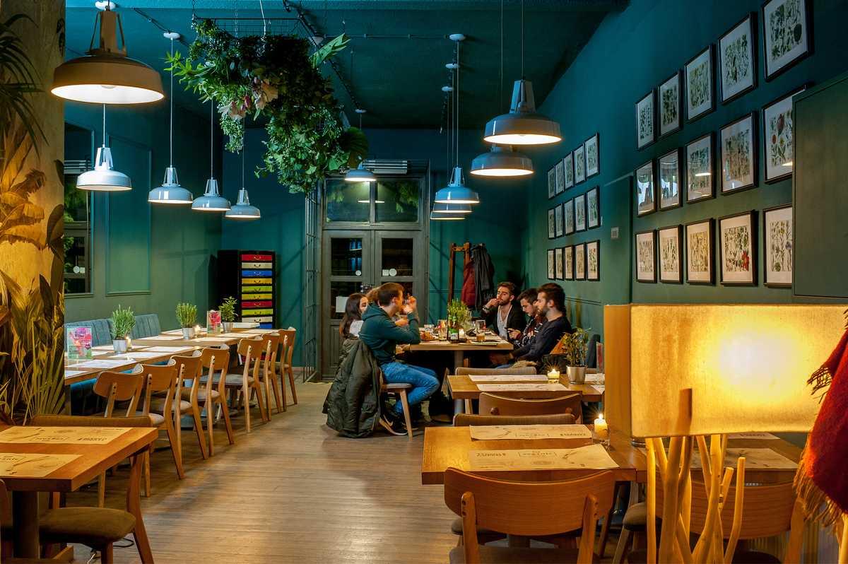 wnętrze restauracji wystrój dekoracje veganic